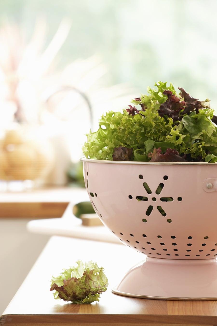 Comment conserver la salade fraîche dans le réfrigérateur?