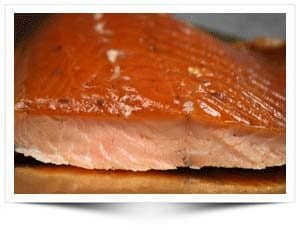 Comment élever des filets d'un saumon entier?